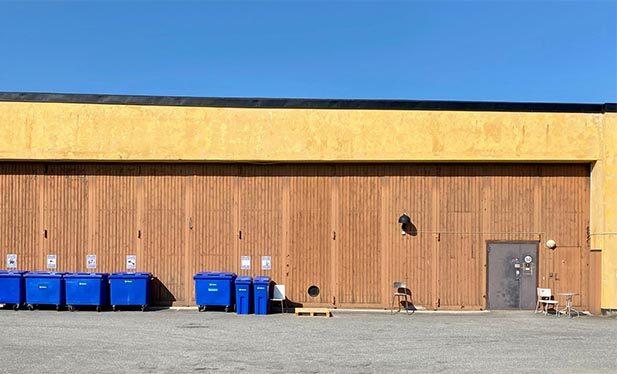 Denna bild har ett alt-attribut som är tomt. Dess filnamn är Hus-1-Garageportar-innergården-617x373-1.jpg